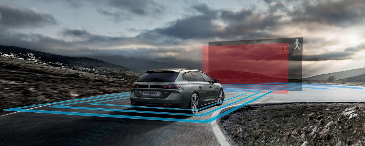 New PEUGEOT 508 SW estate, many technological features