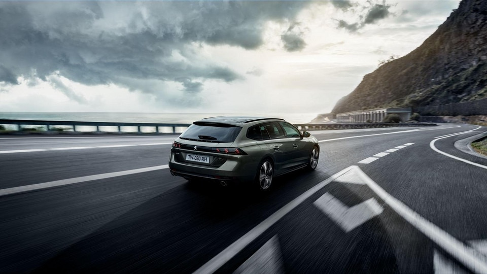 New PEUGEOT 508 SW: the high-end estate with a striking design