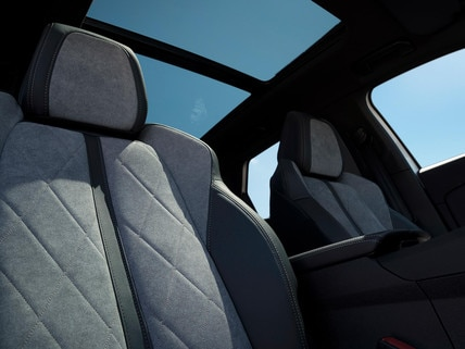 PEUGEOT 3008 SUV HYBRID4: Greval Grey Alcantara® fabric