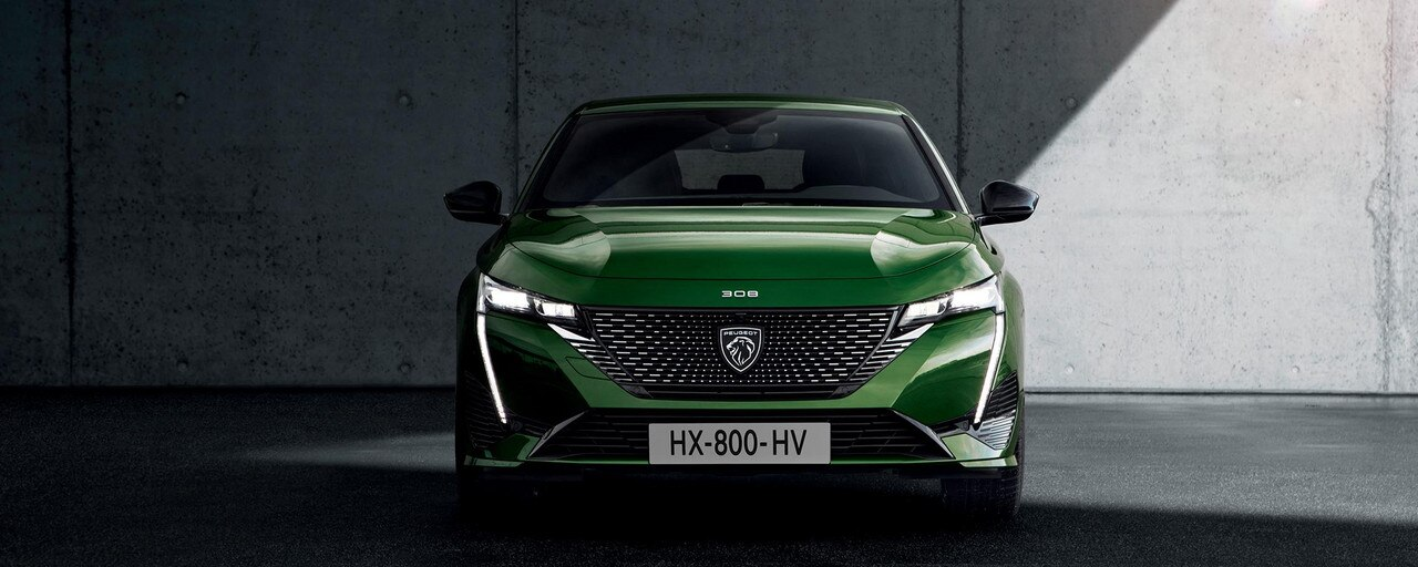 New PEUGEOT 308 – Front grille  with new PEUGEOT badge