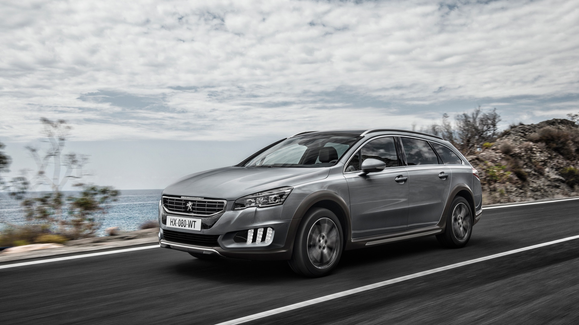 peugeot 508 rxh 508 with an all terrain look. Black Bedroom Furniture Sets. Home Design Ideas