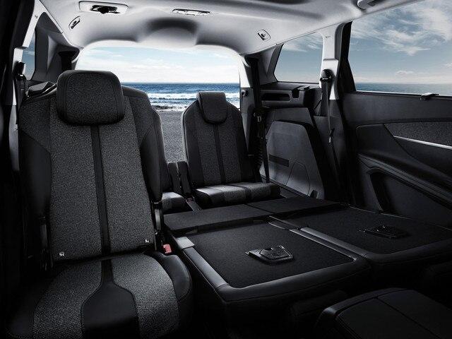 New Peugeot 5008 SUV 4