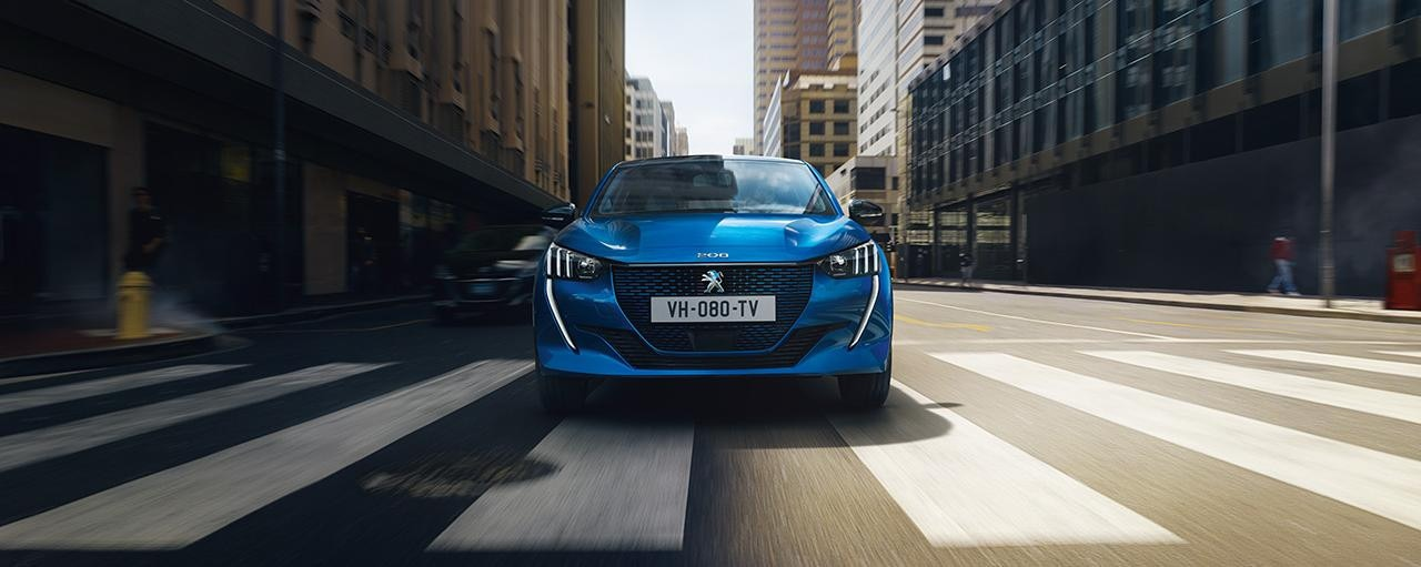 NEW PEUGEOT e-208 – New electric city car and front end