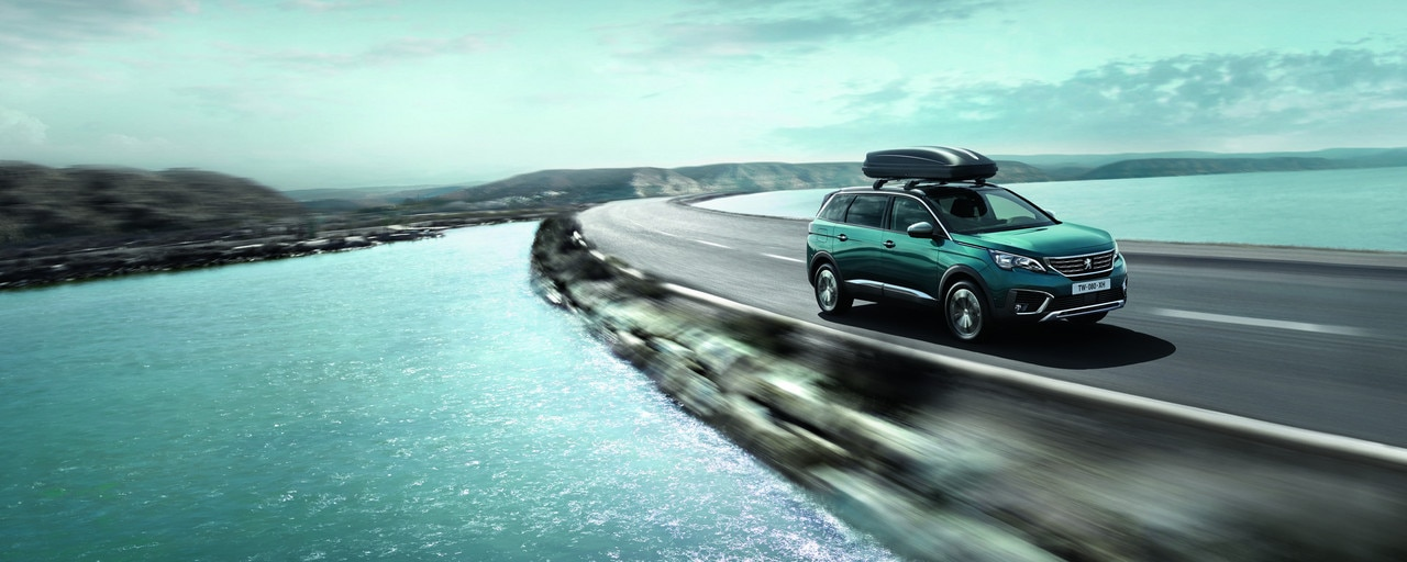 New Peugeot 5008 SUV Ploughing