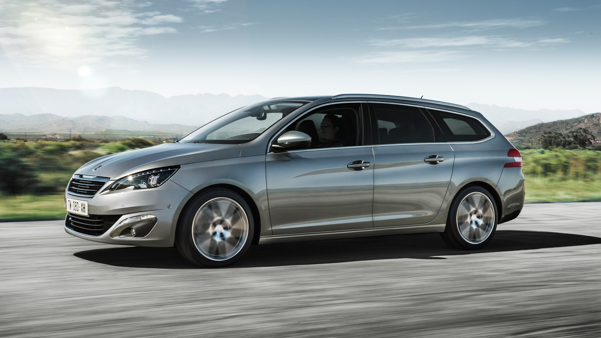 Peugeot 308 SW | 7 seater Practical Estate Car and Station Wagon