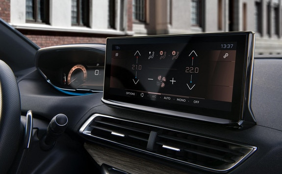 New PEUGEOT 3008 SUV – Connected HD touchscreen