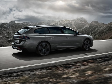 PEUGEOT 508 SW: the high-end estate with a striking design