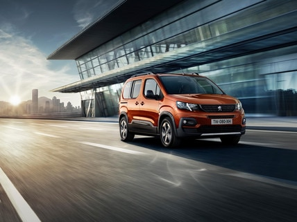 NEW PEUGEOT RIFTER - assertive and dynamic styling