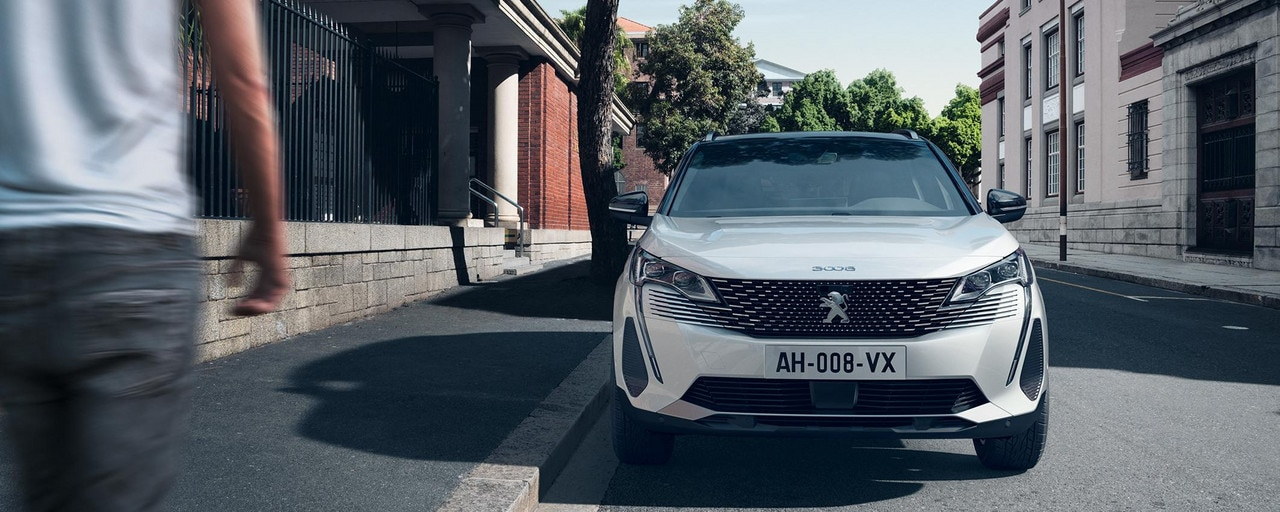 New PEUGEOT 3008 SUV HYBRID – New front end