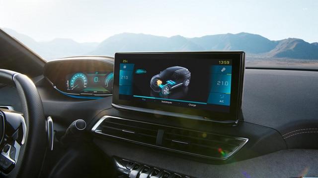 "New PEUGEOT 3008 SUV HYBRID – New 10"" HD touchscreen"