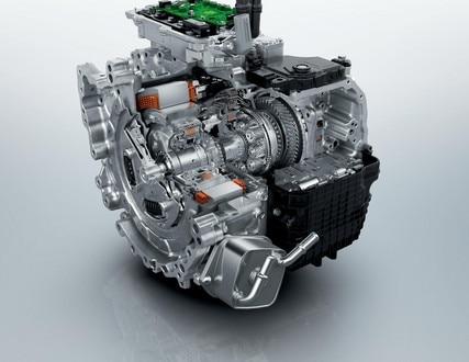 NEW PEUGEOT 3008 SUV HYBRID4: plug-in hybrid engine