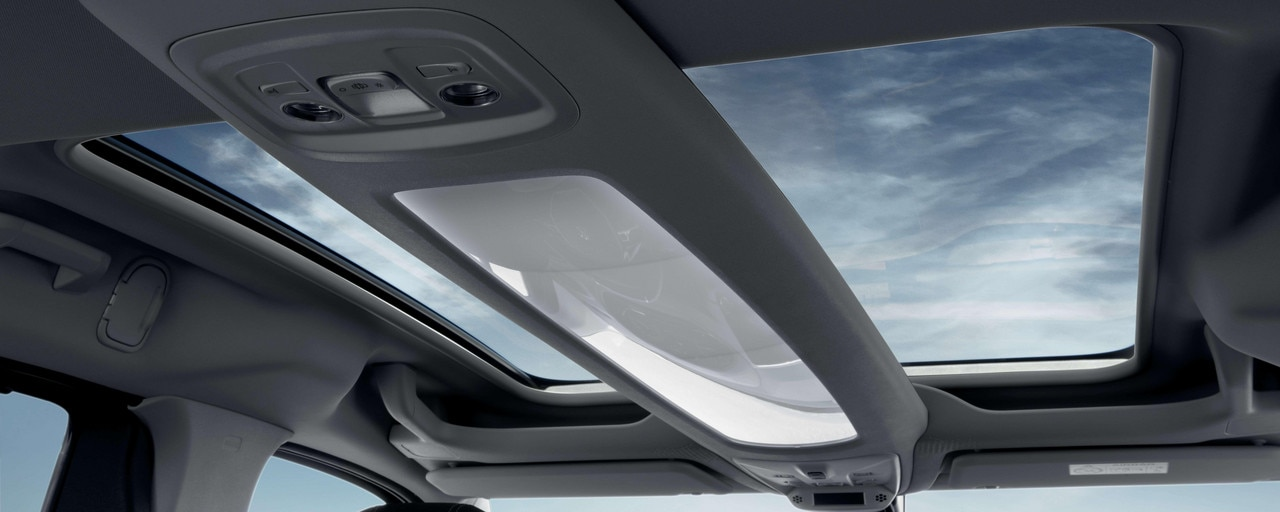 NEW PEUGEOT RIFTER – New Zenith® flat roof system with floating arch