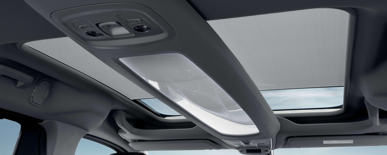 New PEUGEOT RIFTER – New Zenith® flat roof system with blackout awning