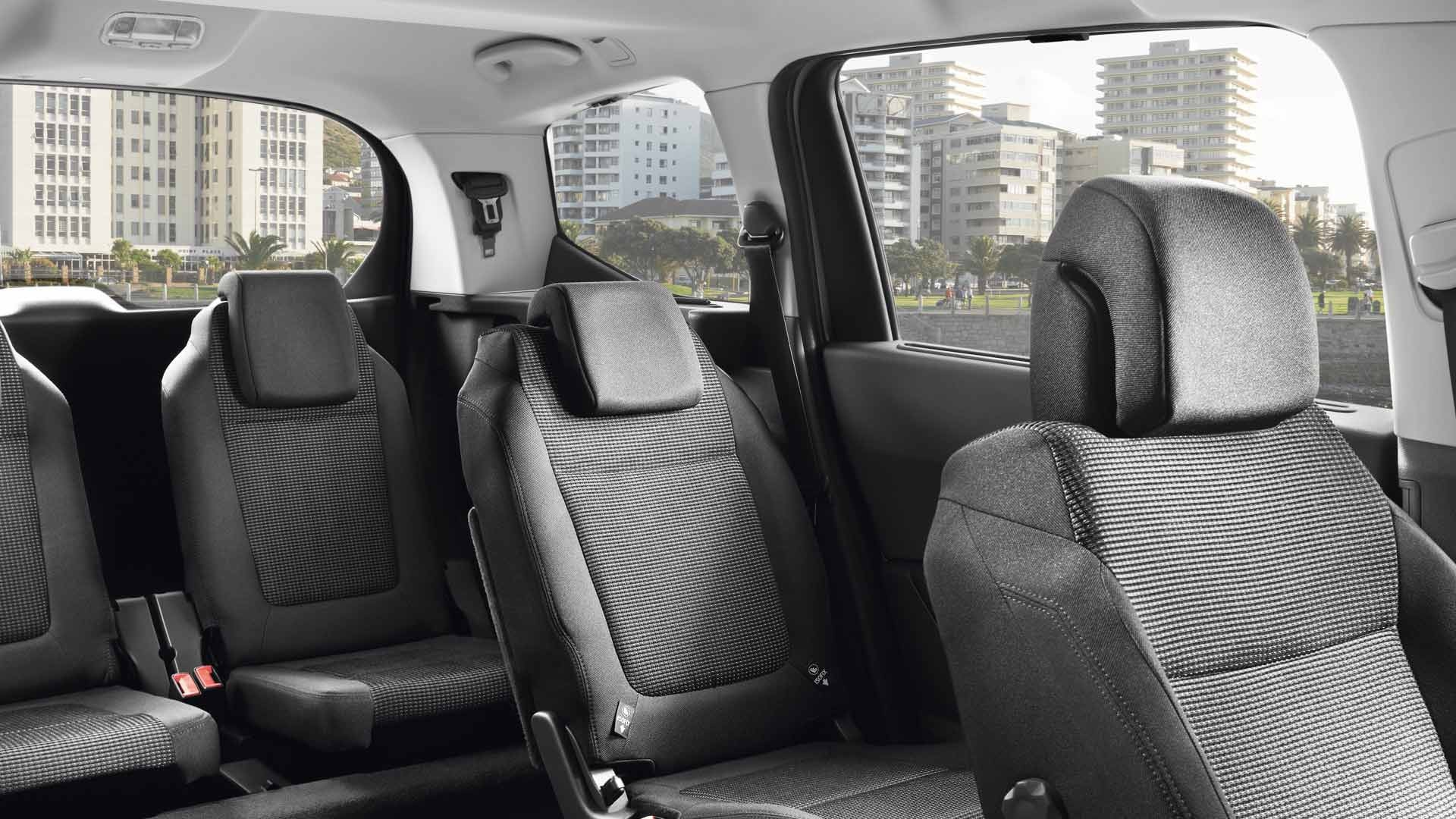 peugeot   seater compact mpv  spacious family car