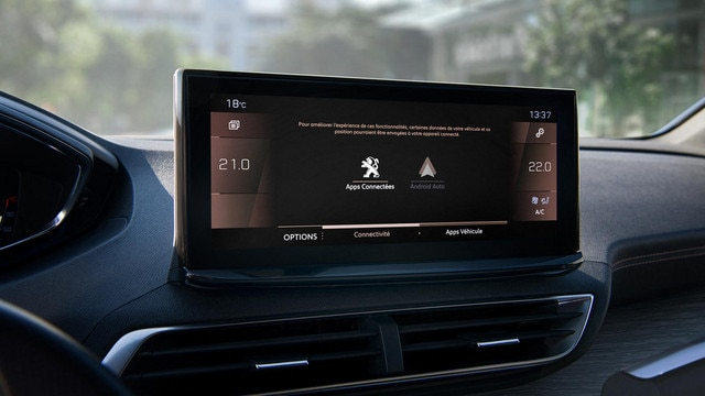 New PEUGEOT 5008 SUV: Modernised Peugeot i-Cockpit® with new capacitive touchscreen