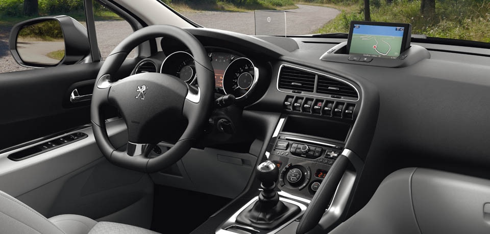 Interior Design Peugeot 3008 Crossover   SUV MPV Hatchback car ...