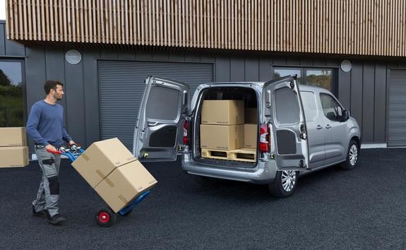 6b2fdee5a2 New Peugeot Partner Small Van 2018