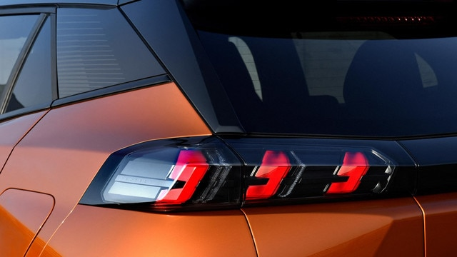ALL-NEW PEUGEOT 2008 SUV: LED tail lights
